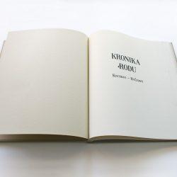 Kronika rodu Kintrovi – Hvězdovi
