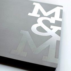 kovové album M&M