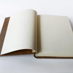 dřevěná Rodová kniha