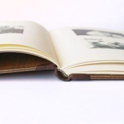 Dřevěná fotokniha